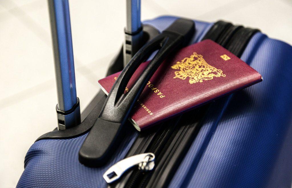 Quels sont les documents nécessaires pour voyager ?
