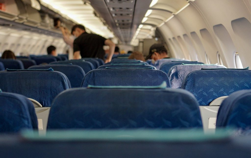 Comment s'occuper à bord d'un avion ?